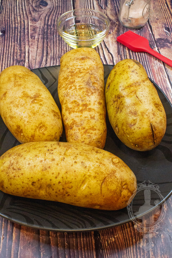 Plate with 4 potatoes
